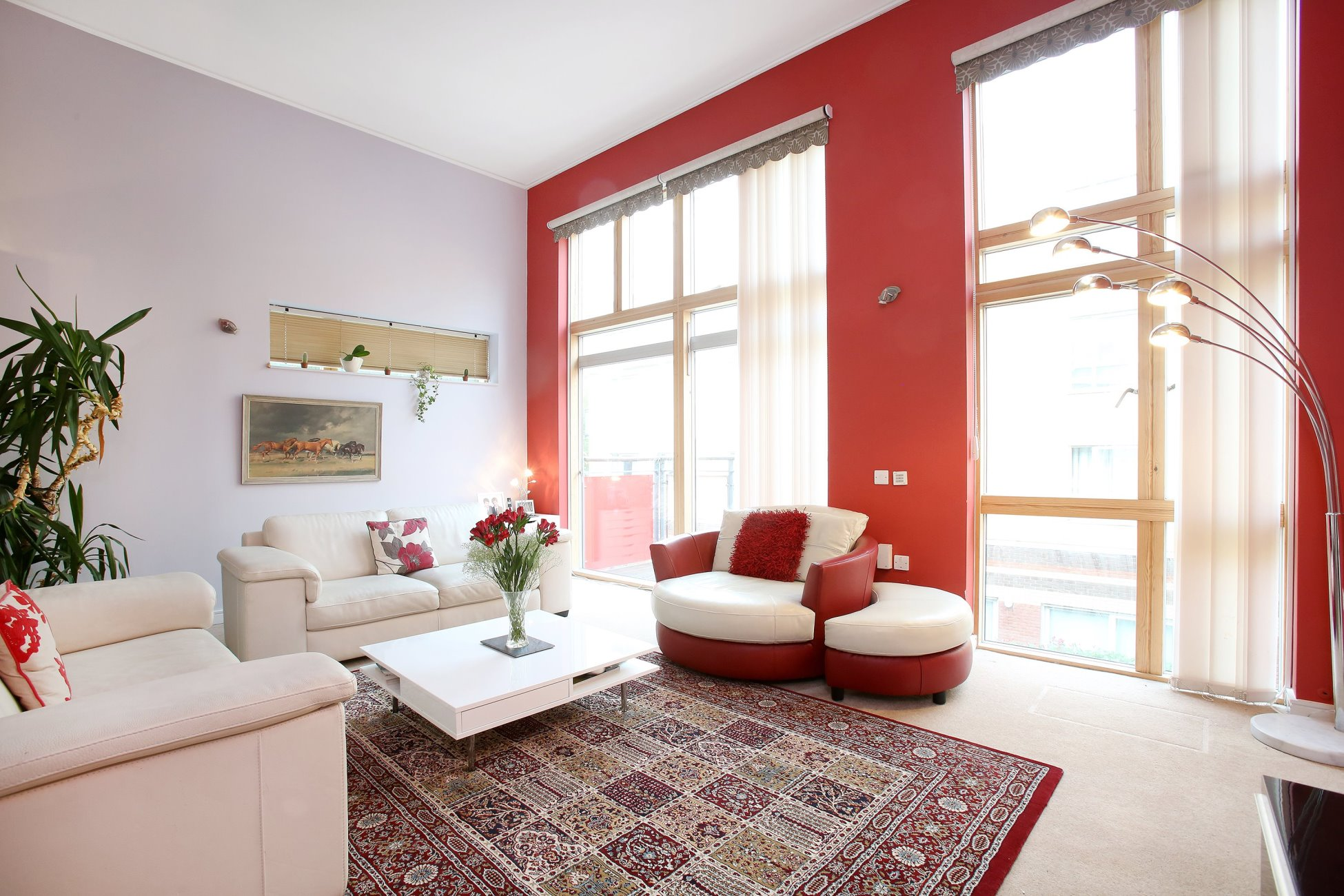 3 Bedroom House in Greenwich. - Changing Property